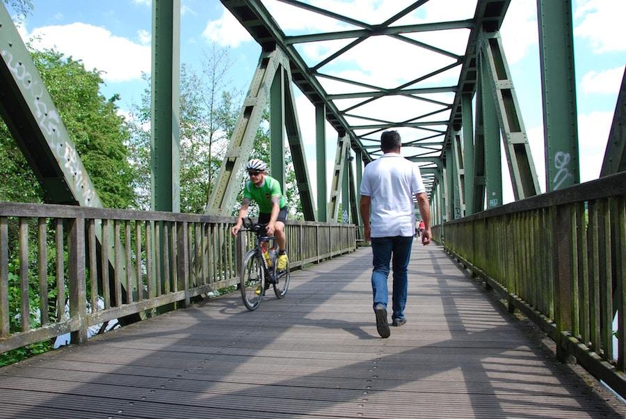 baldeneysee ehemalige eisenbahnbruecke - Radtour Ruhrgebiet - Tour im Radrevier Ruhr