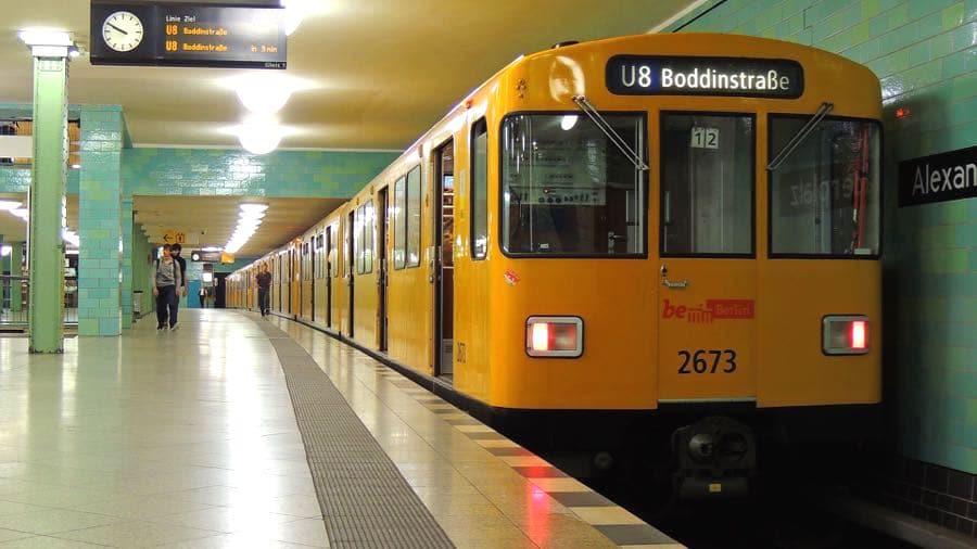 reisefuehrer fuer deinen berlin trip 5 - Drei Reisebücher für deinen Berlin-Trip