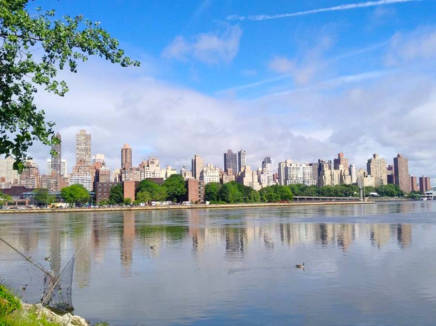 view manhattan from astoria queens - Mein Stadtbummel in New York City