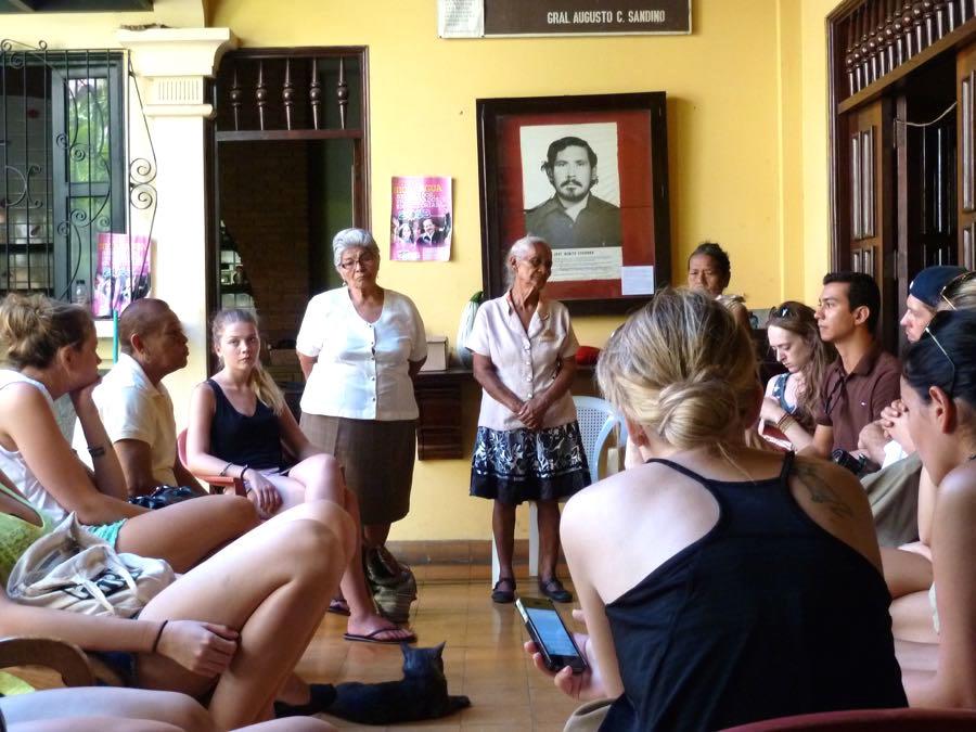Voluntourismus Freiwilligenarbeit im Ausland Kritik