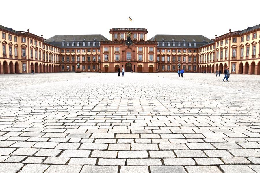 Schloss Mannheim Rhein-Neckar: Infos & Tipps für die Metropolregion
