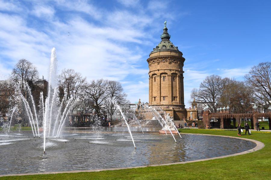 Mannheim Sehenswürdigkeiten Wasserturm Friedrichsplatz