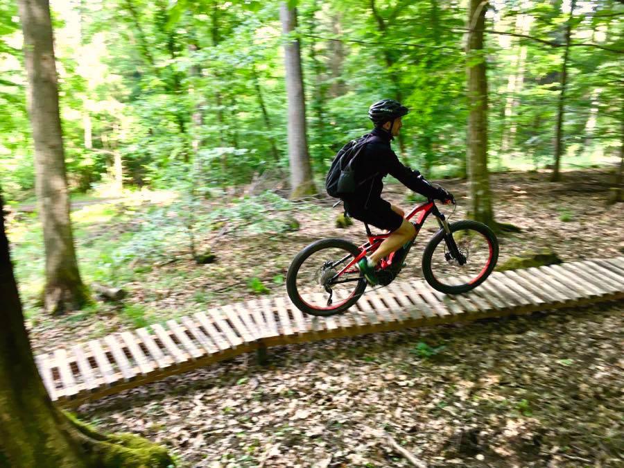 Outdoor-Aktivitäten Reisen Sportarten MTB Mountainbiken