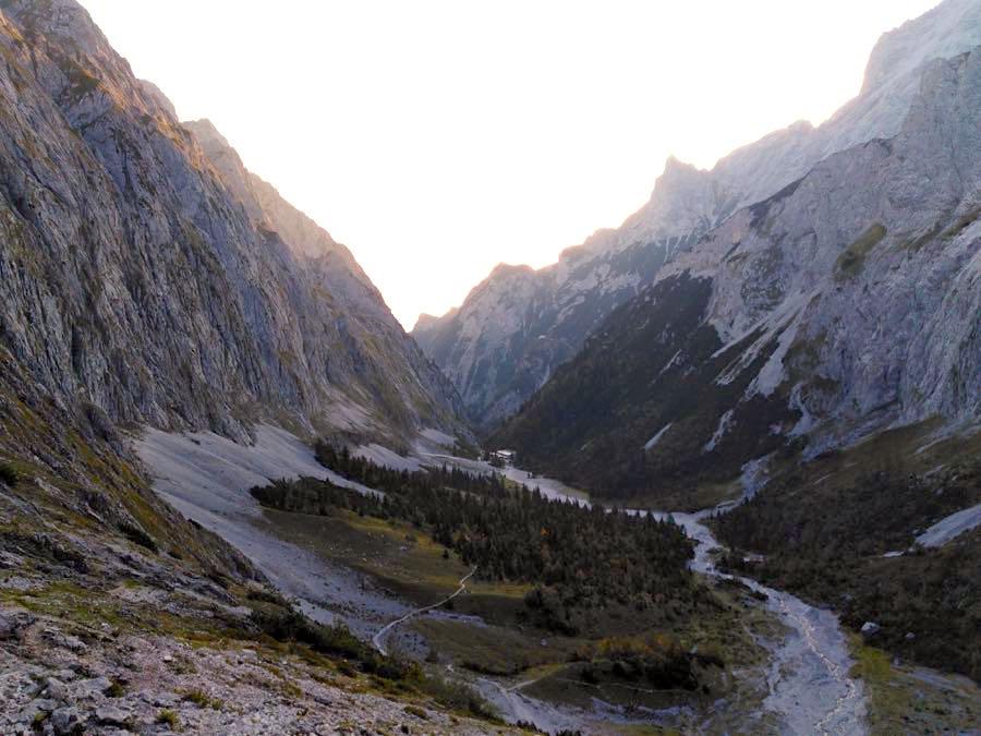 zugspitze wanderung spitzenwanderweg 10 - Auf die Zugspitze wandern - mein Tourenbericht