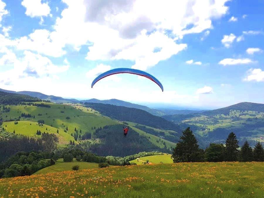Outdoor-Aktivitäten Reisen Sportarten Paragliding