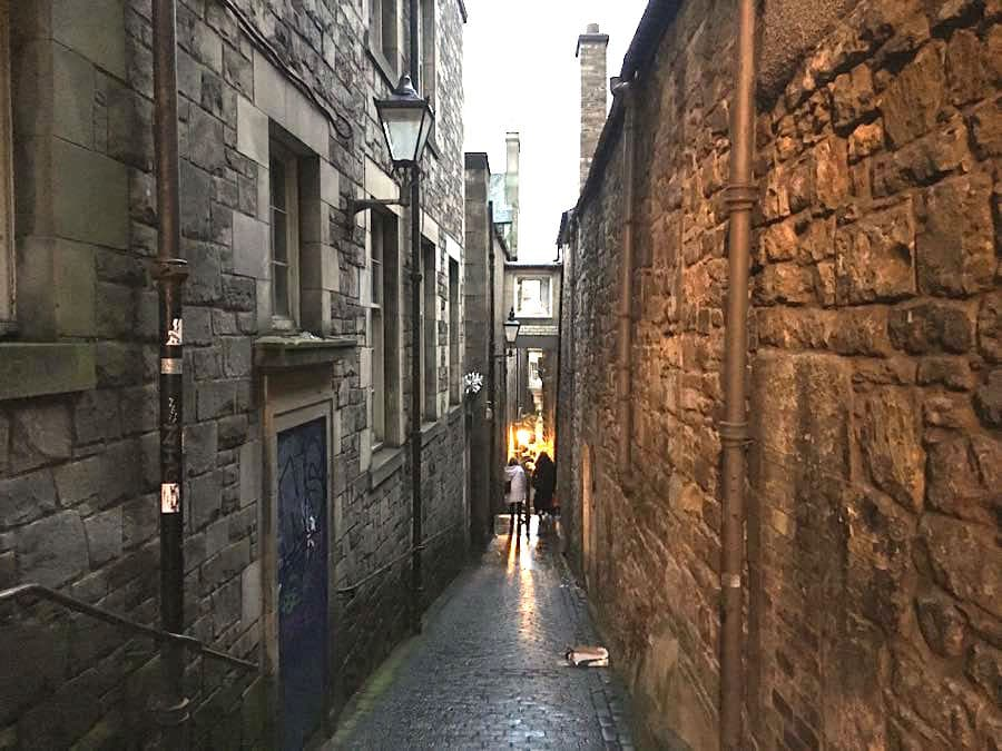 Edinburgh Sehenswürdigkeiten Tipps für einen Stadtrundgang Städtereise Stadtbummel
