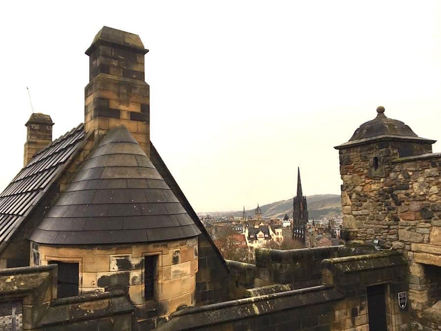 edinburgh tipps castle blick - Edinburgh Sehenswürdigkeiten - Infos & Tipps