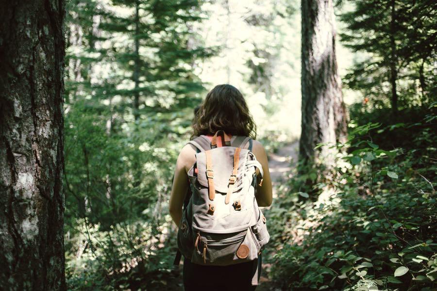 Wanderausrüstung: Basics für die Anschaffung People Abroad