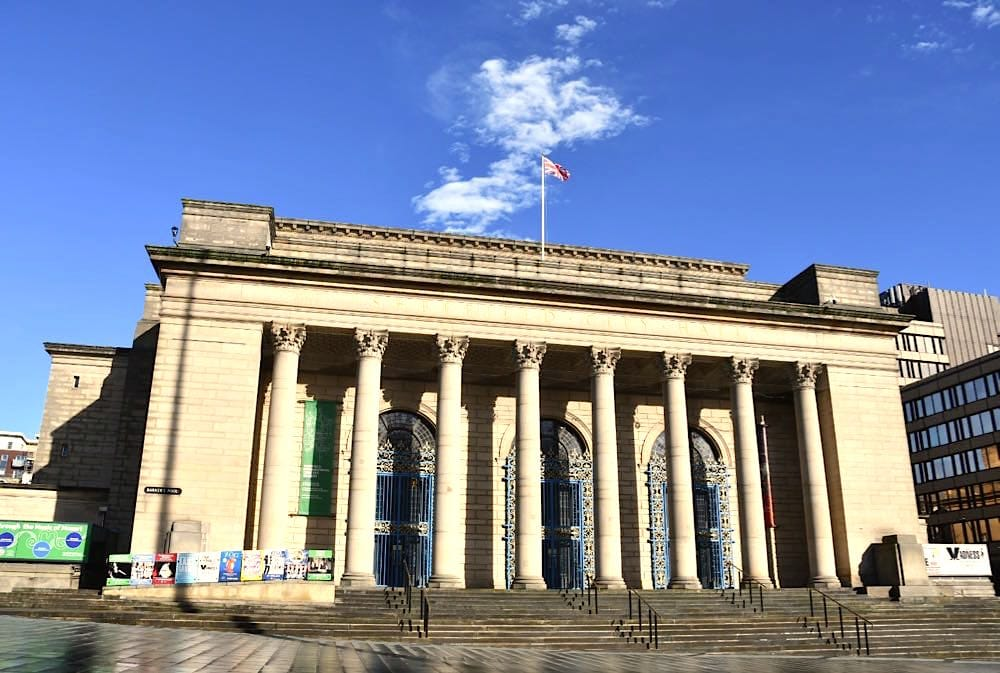 Sheffield Städtetrip: Sehenswürdigkeiten Tipps Reiseplanung City Hall