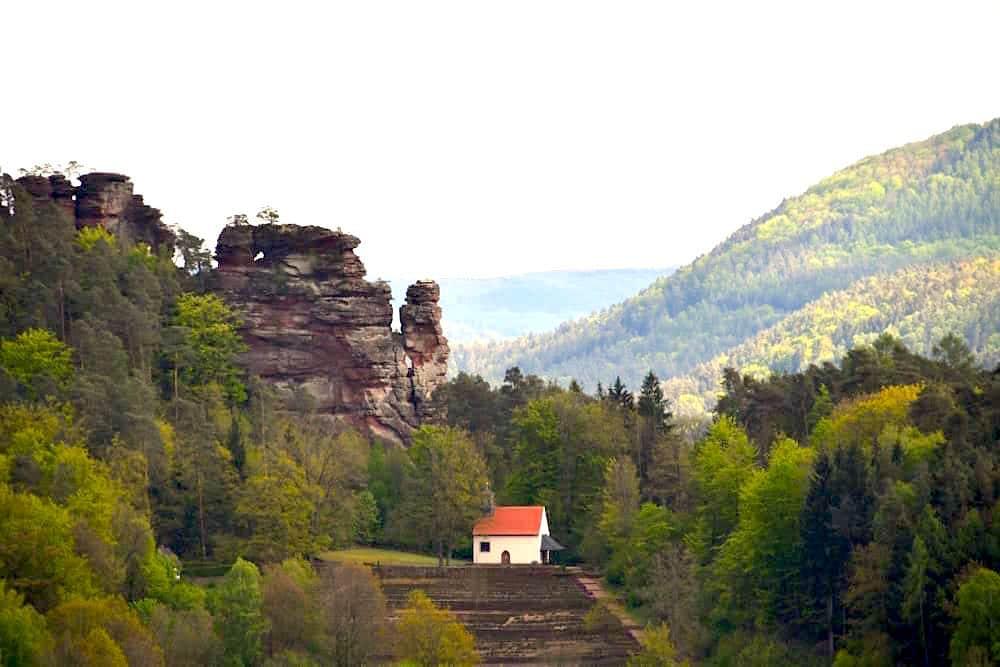 Pfälzerwald: Burgen, Felsen und Wanderwege