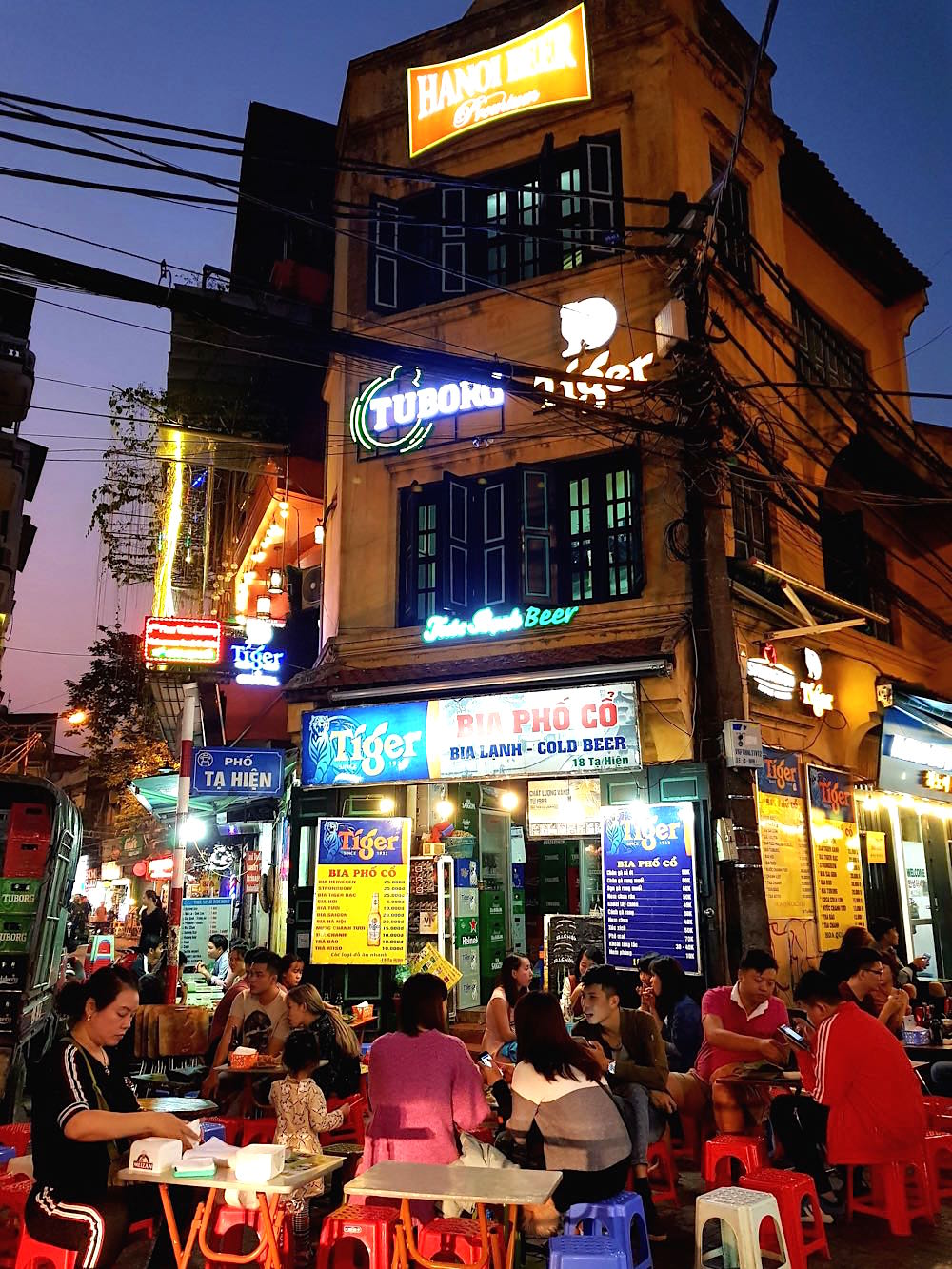 hanoi altstadt bia corner - Hanoi in Vietnam: Liebe auf den dritten Blick