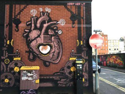 Belfast: Murals, Peace Wall, Titanic Museum