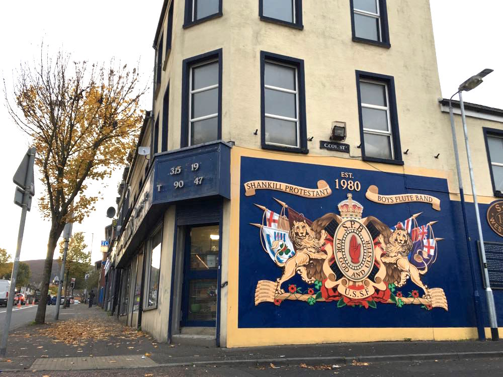 belfast murals peace wall sehenswuerdigkeiten 11 - Belfast: Murals, Peace Wall, Titanic Museum