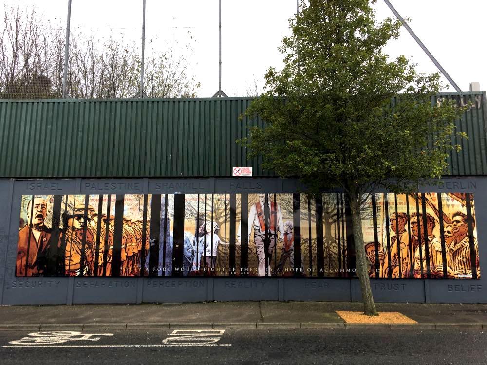 belfast murals peace wall sehenswuerdigkeiten 13 - Belfast: Murals, Peace Wall, Titanic Museum