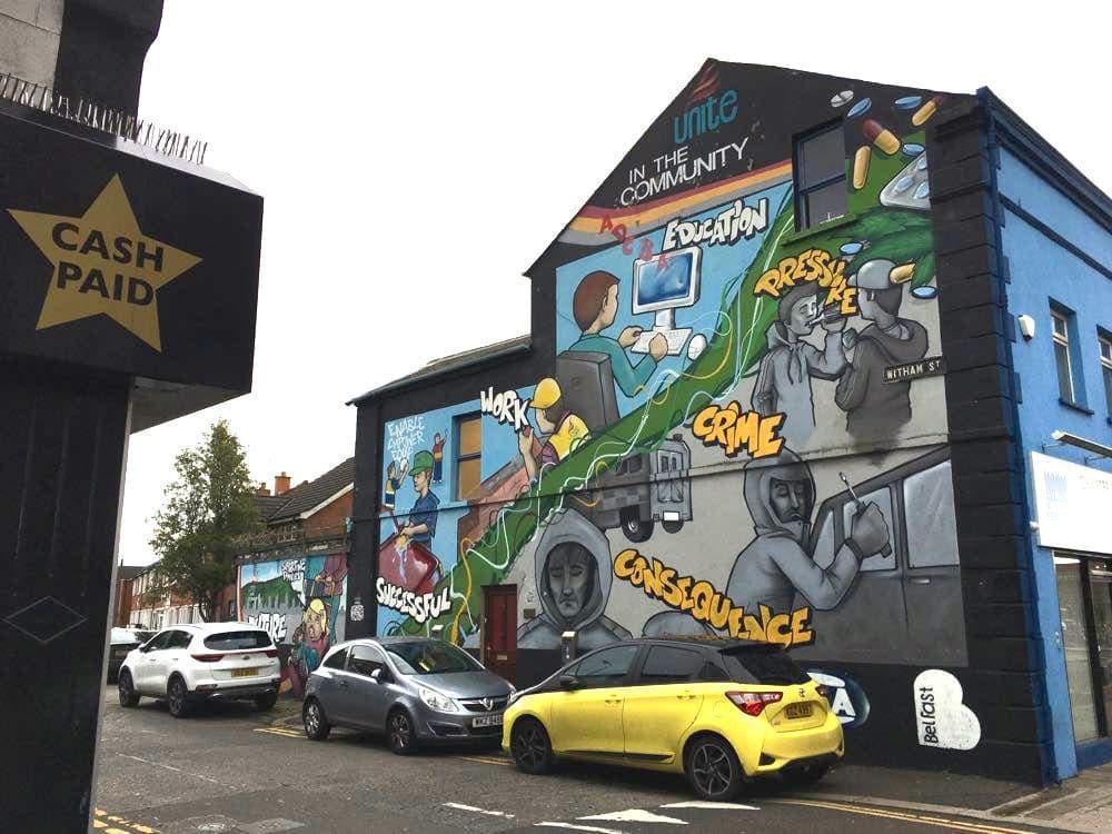 belfast murals peace wall sehenswuerdigkeiten 6 - Belfast: Murals, Peace Wall, Titanic Museum