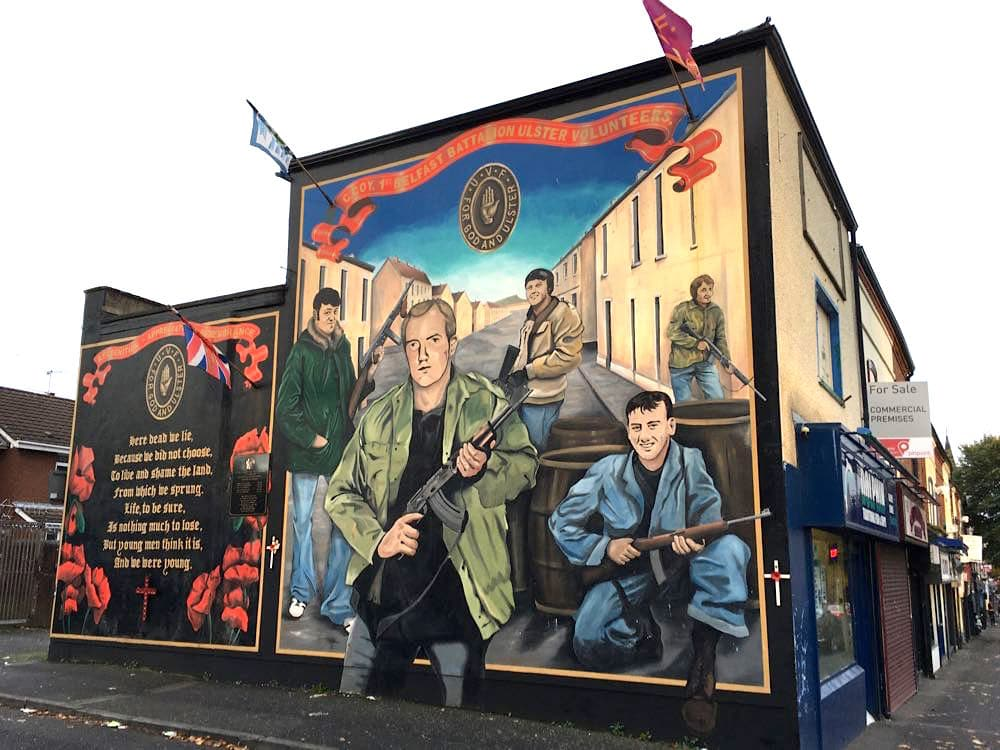 nordirland sehenswürdigkeiten tipps 21 - Belfast: Murals, Peace Wall, Titanic Museum