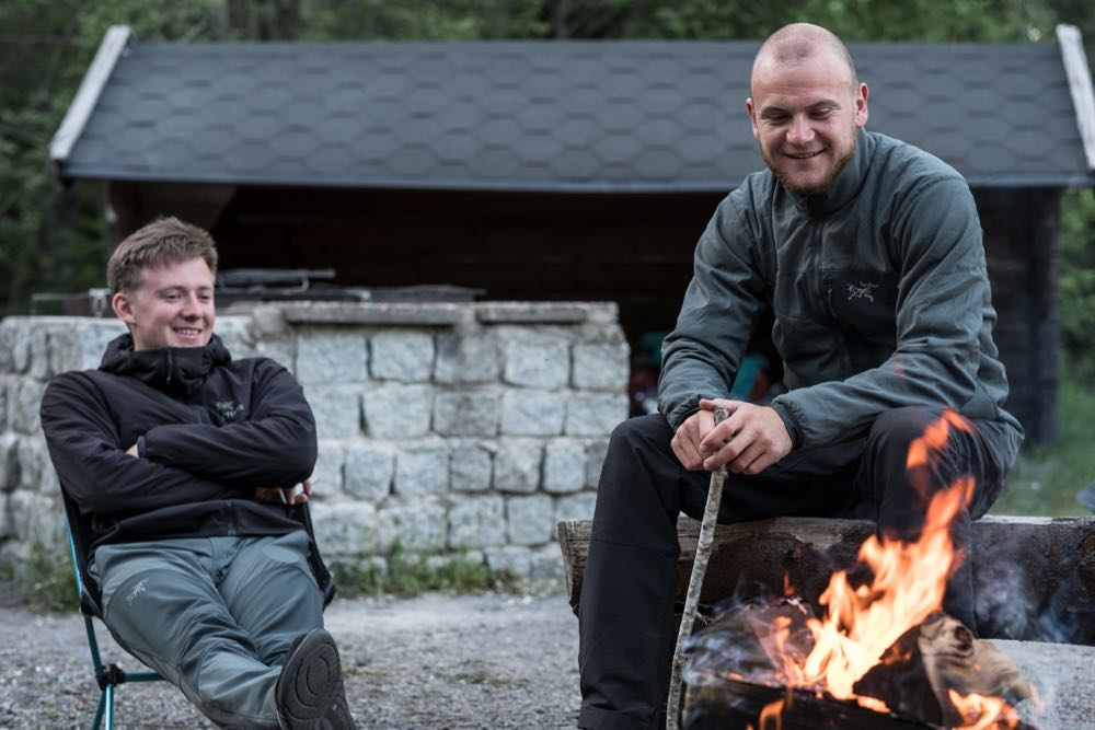arcteryx atom lt jacke blogger thomas wester trekkinglife - 12 Outdoor-Blogger zeigen ihre Regenjacke