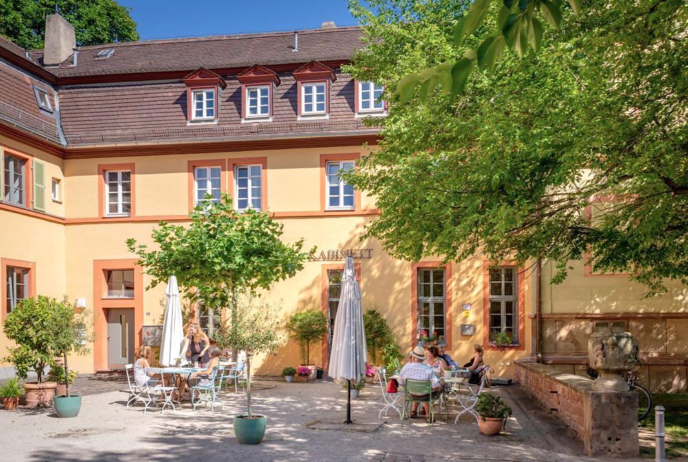 cafes worms kabinett im schlosshof herrnsheim - Cafés in Worms & Tipps zu Coffee Bars