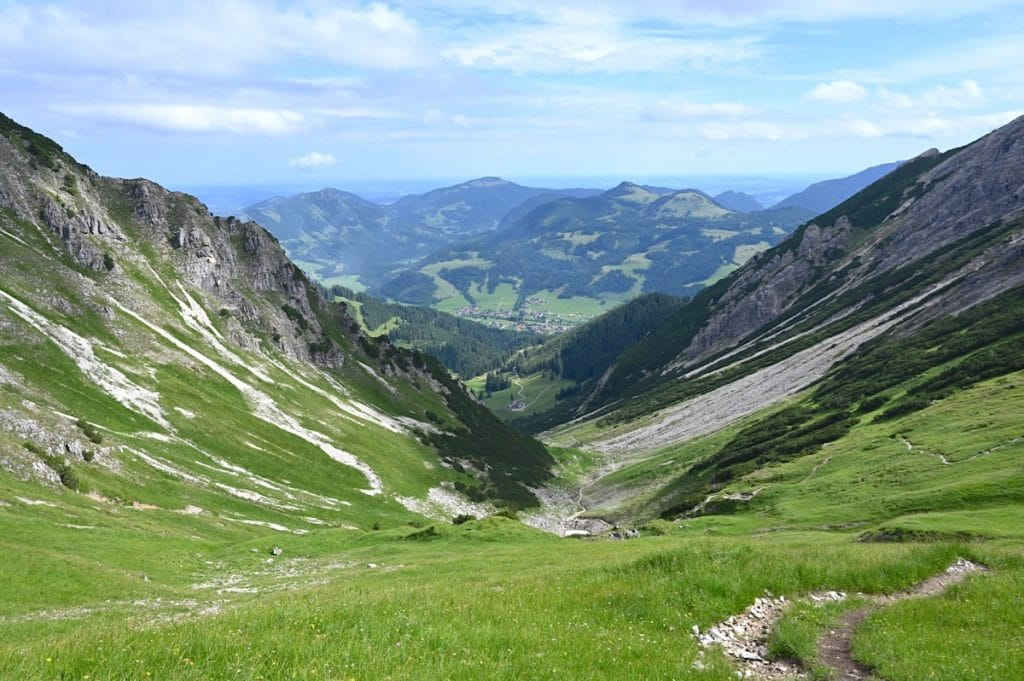 tannheimer tal wandern 10 1024x681 - Tannheimer Tal: Wandern, Hütten & Seen in Tirol
