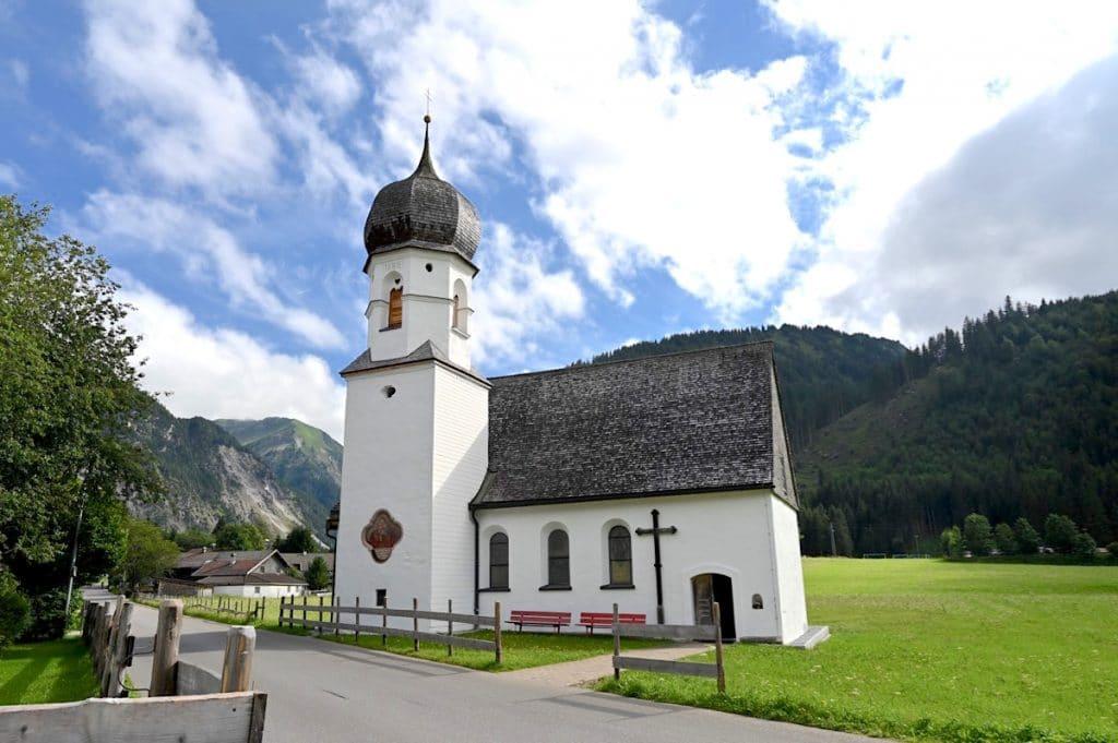 tannheimer tal wandern 18 1024x681 - Tannheimer Tal: Wandern, Hütten & Seen in Tirol