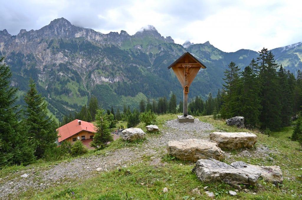 tannheimer tal wandern 26 1024x681 - Tannheimer Tal: Wandern, Hütten & Seen in Tirol