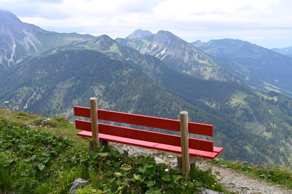 tannheimer tal wandern 3 1024x681 - Tannheimer Tal: Wandern, Hütten & Seen in Tirol