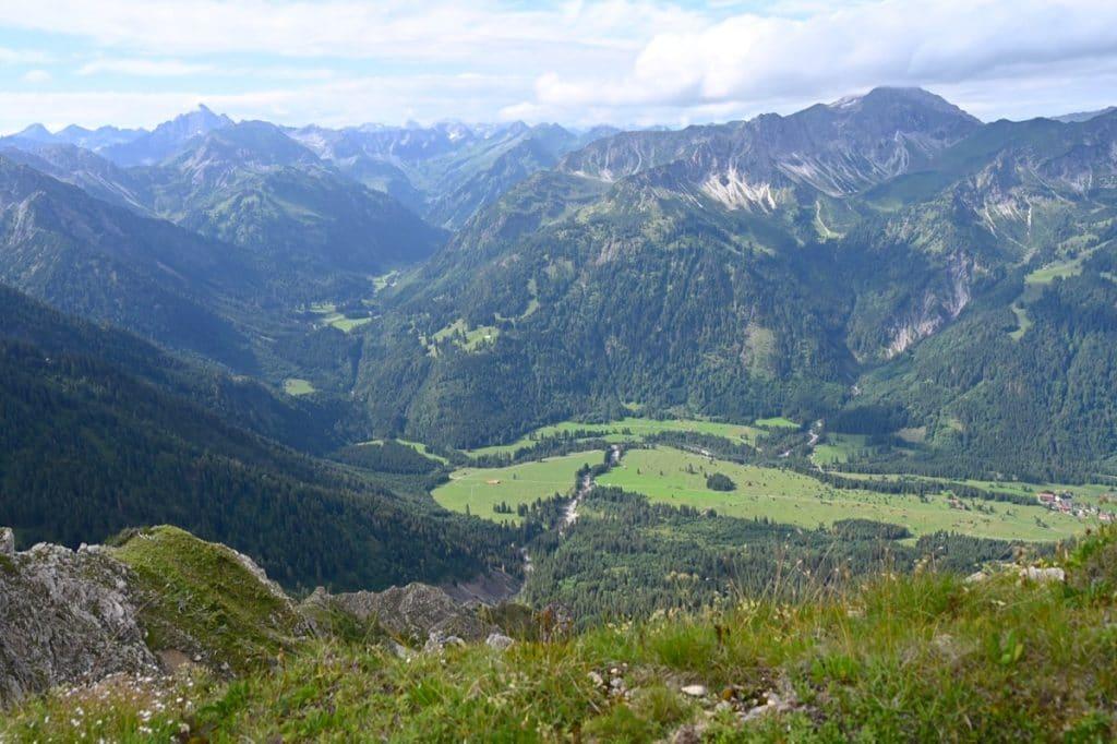 tannheimer tal wandern 7 1024x682 - Tannheimer Tal: Wandern, Hütten & Seen in Tirol